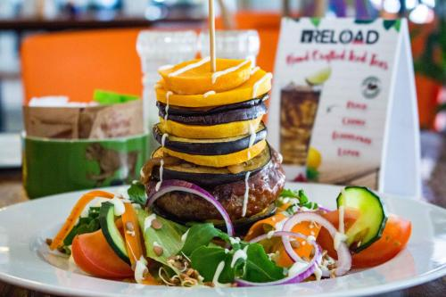 Reload Esspreso Bar Piazza burger